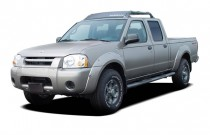 2004 Nissan Frontier 4WD XE Crew Cab V6 Auto SB Angular Front Exterior View