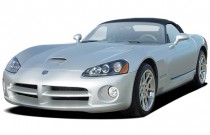 2004 Dodge Viper 2-door Convertible SRT10 Angular Front Exterior View
