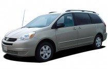 2004 Toyota Sienna 5dr CE FWD 8-Passenger (Natl) Angular Front Exterior View