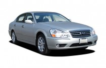 2005 Infiniti Q45 4-door Sedan Angular Front Exterior View