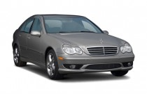 2007 Mercedes-Benz C Class 4-door Sedan 2.5L Sport RWD Angular Front Exterior View
