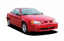 2005 Pontiac Grand Am 2-door Coupe GT1 Angular Front Exterior View