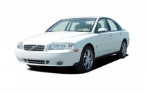 2005 Volvo S80 4-door Sedan 2.9L Twin Turbo Angular Front Exterior View