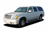 2005 Cadillac Escalade ESV 4-door AWD Angular Front Exterior View