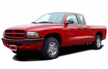 "2003 Dodge Dakota 2-door Club Cab 131"" WB Sport Angular Front Exterior View"