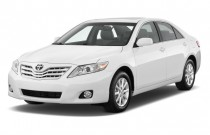 2010 Toyota Camry 4-door Sedan V6 Auto XLE (Natl) Angular Front Exterior View