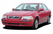 2003 Volvo S40 4-door Sedan 1.9L Angular Front Exterior View