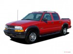 "2004 Chevrolet S-10 Crew Cab 123"" WB 4WD LS Angular Front Exterior View"