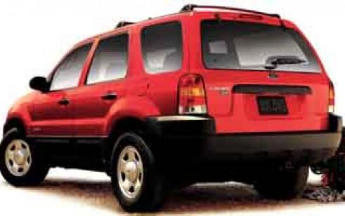 ford escape, 2004 или субару форестер