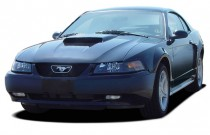 2004 Ford Mustang 2-door Coupe Standard Angular Front Exterior View