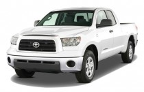 2009 Toyota Tundra Dbl 4.7L V8 5-Spd AT Grade (Natl) Angular Front Exterior View