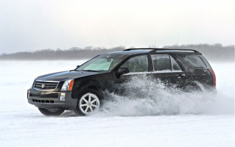 Survival Tips for a Winter Breakdown: Stay Warm, Stay With the Car