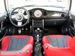 2004 Mini S MC 40 - Interior