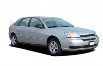 2005 Chevrolet Malibu Maxx 4-door Sedan LS Angular Front Exterior View