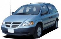 2005 Dodge Caravan 4-door SE Angular Front Exterior View