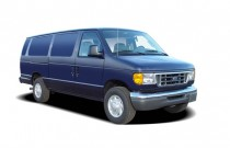 2005 Ford Econoline Wagon E-350 Super Ext XLT Angular Front Exterior View