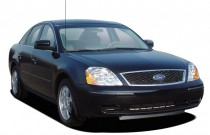 2005 Ford Five Hundred 4-door Sedan SE Angular Front Exterior View