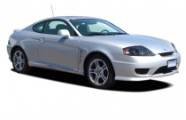 2005 Hyundai Tiburon 2-door Coupe GS I4 4-Spd Auto Angular Front Exterior View