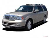 2005 Lincoln Navigator 4-door 4WD Luxury Angular Front Exterior View