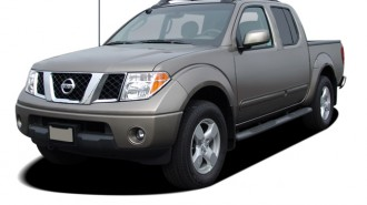 2005 Nissan Frontier 4WD LE Crew Cab V6 Auto Angular Front Exterior View