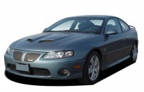 2005 Pontiac GTO 2-door Coupe Angular Front Exterior View