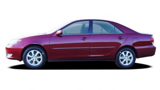 2005 Toyota Camry 4-door Sedan XLE Auto (Natl) Side Exterior View