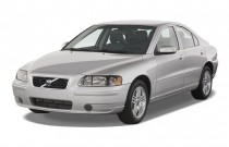 2009 Volvo S60 4-door Sedan 2.5T FWD Angular Front Exterior View