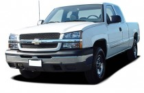 "2006 Chevrolet Silverado 1500 Ext Cab 143.5"" WB 2WD Work Truck Angular Front Exterior View"