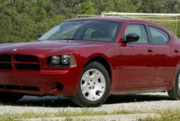 2006 chrysler 300 vs 2006 dodge charger the car connection. Black Bedroom Furniture Sets. Home Design Ideas