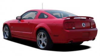 2006 Ford Mustang 2-door Coupe GT Premium Angular Rear Exterior View