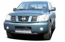2006 Nissan Titan LE Crew Cab 4WD Angular Front Exterior View