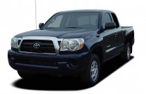 "2006 Toyota Tacoma Access 127"" Manual (Natl) Angular Front Exterior View"