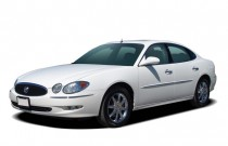 2007 Buick LaCrosse 4-door Sedan CXS Angular Front Exterior View
