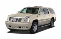 2007 Cadillac Escalade ESV AWD 4-door Angular Front Exterior View