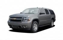 2007 Chevrolet Suburban 2WD 4-door 1500 LT Angular Front Exterior View