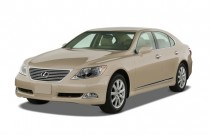 2007 Lexus LS 460 4-door Sedan LWB Angular Front Exterior View