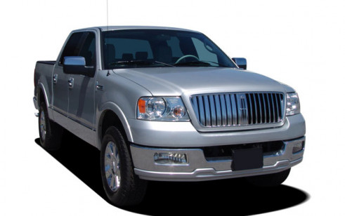 """2007 Lincoln Mark LT 4WD Supercrew 139"""" Angular Front Exterior View"""