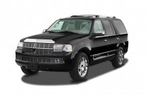 2007 Lincoln Navigator 2WD 4-door Ultimate Angular Front Exterior View
