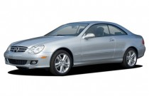 2007 Mercedes-Benz CLK Class 2-door Coupe 3.5L Angular Front Exterior View