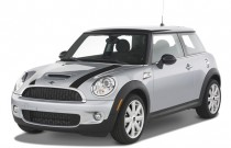 2007 MINI Cooper Hardtop 2-door Coupe S Angular Front Exterior View