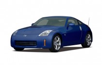 2007 Nissan 350Z 2-door Coupe Manual Angular Front Exterior View