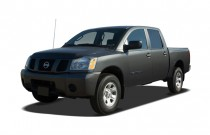 2007 Nissan Titan 2WD Crew Cab LE Angular Front Exterior View