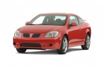 2007 Pontiac G5 2-door Coupe GT Angular Front Exterior View