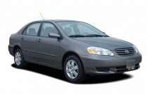2007 Toyota Corolla 4-door Sedan Auto LE (Natl) Angular Front Exterior View