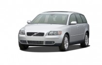 2007 Volvo V50 4-door Wagon 2.5L Turbo AT AWD Angular Front Exterior View