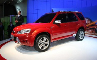 Ford Musters 'Stang, Escape for Tokyo