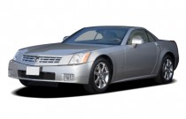 2008 Cadillac XLR 2-door Convertible Angular Front Exterior View