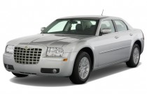 2008 Chrysler 300-Series 4-door Sedan 300 Touring RWD Angular Front Exterior View