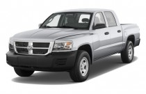 2008 Dodge Dakota 2WD Crew Cab SLT Angular Front Exterior View