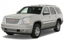 2008 GMC Yukon Denali AWD 4-door Angular Front Exterior View
